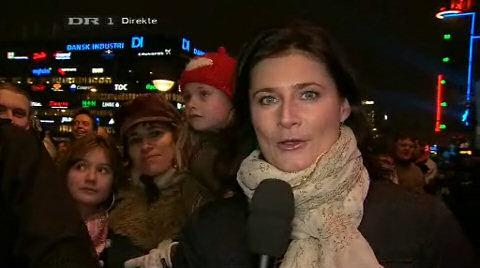 Nielsen laver lean-in ved interview på Hovedbanegården